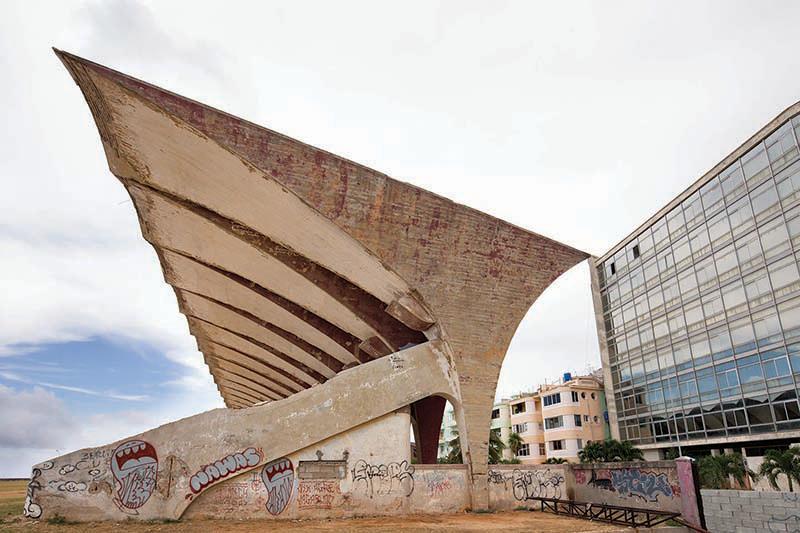 El Beso, 2015