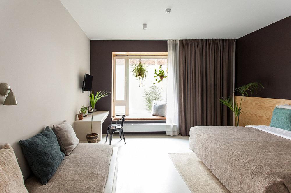 Garden Room (For 3) -
