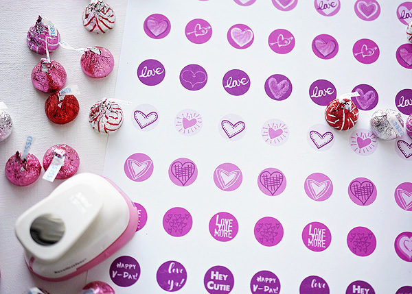 Valentine\'s Day Hershey Kiss Labels - FREE Printable — Peonies and ...