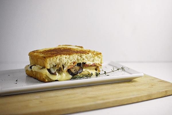 Mushroom Swiss Grilled Sandwich 2.jpg