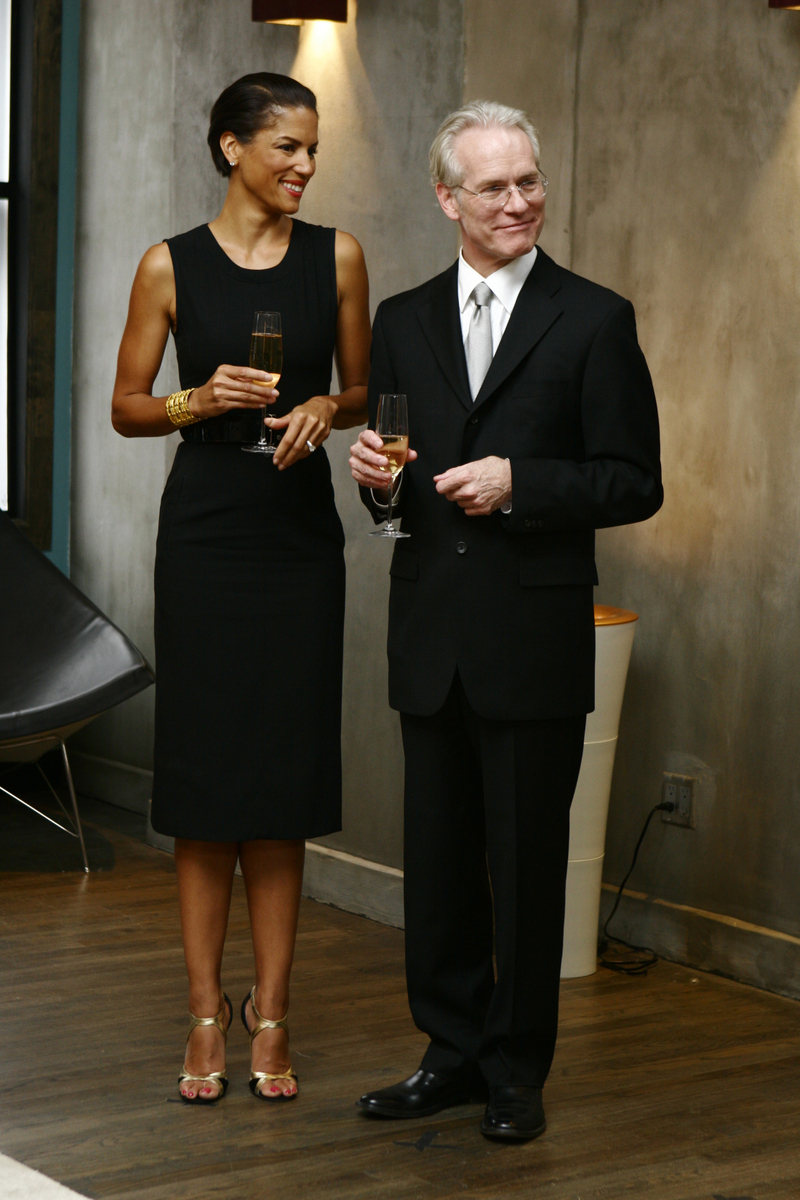 Tim Gunn, and Season 1 co-hosted by model Veronica Webb
