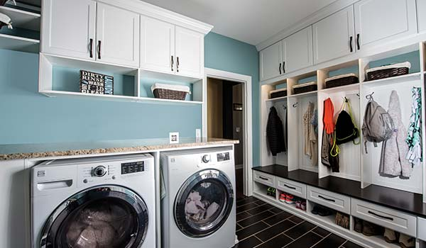 Custom Laundry & Entry Spaces