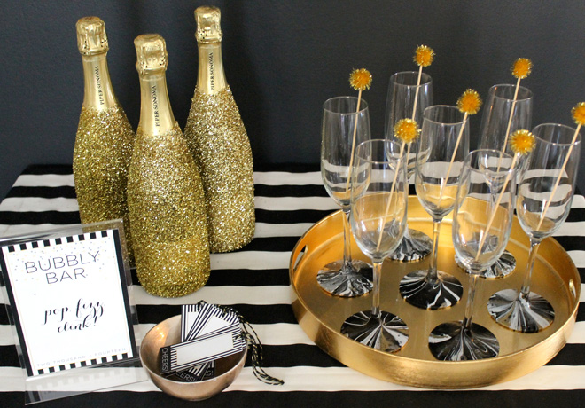 94ae1e2c18ab7ad3dd2479045820df93--gold-and-black-birthday-gold-and-black-party-decorations.jpg