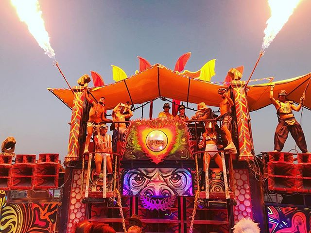 Fuego fuego fuego! #thebouncecar