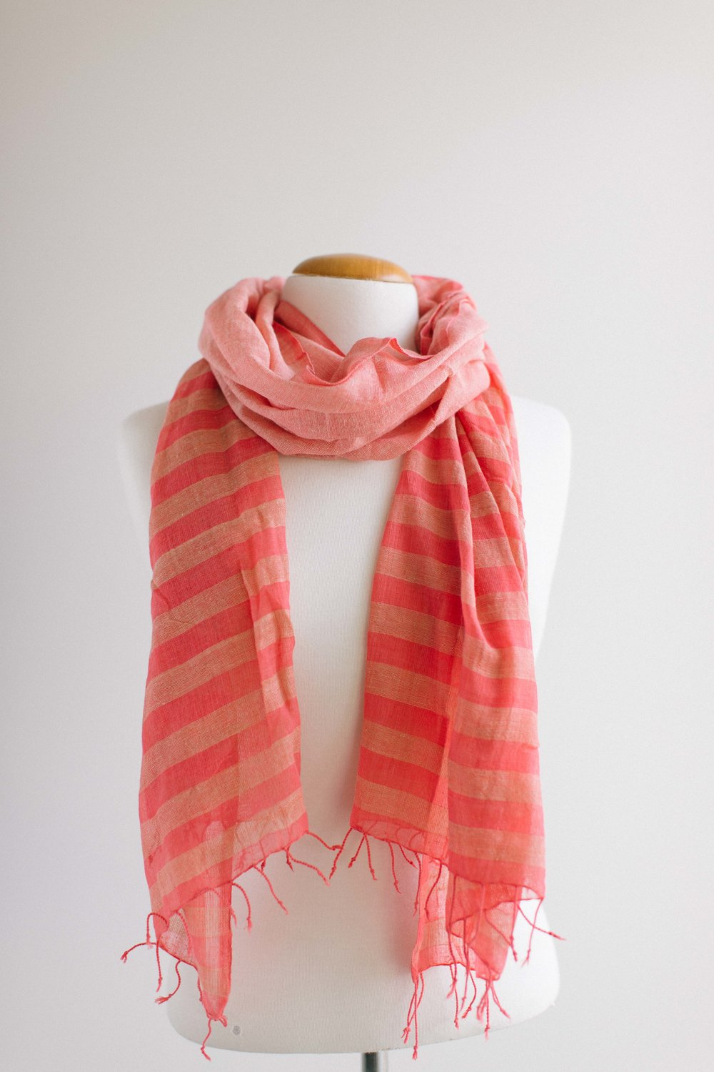 Addis Rose red with Camel.jpg