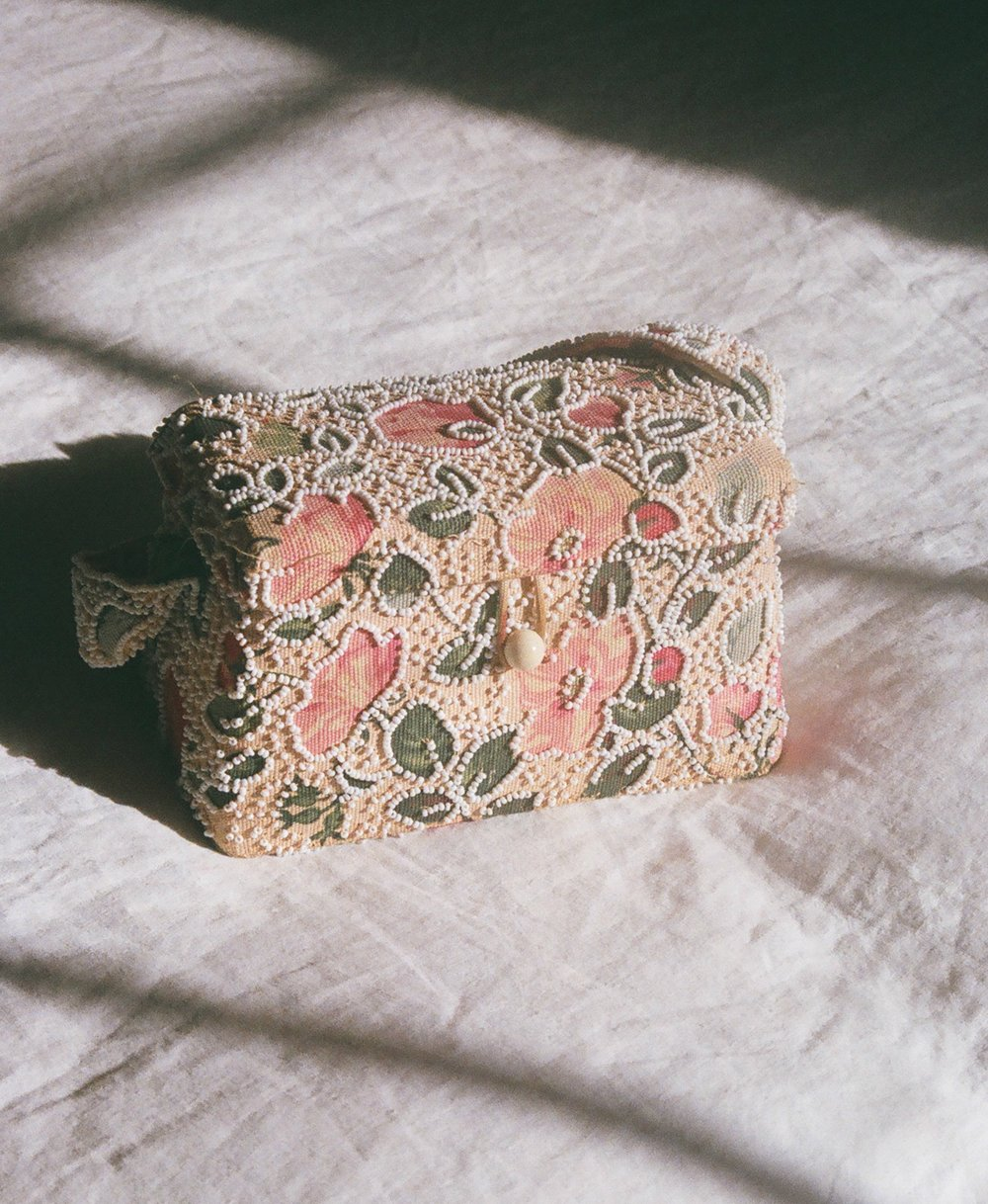 floral bead purse 2.jpg