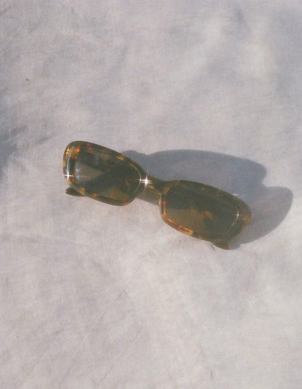 gucci tortoise sunglasses 1.jpg