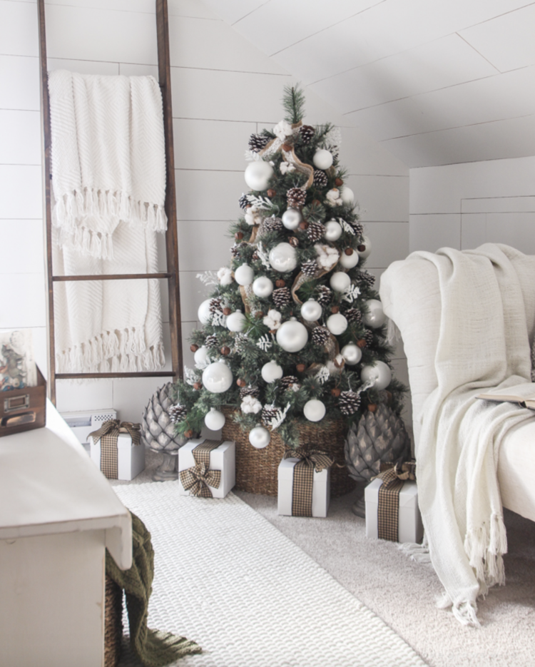 screen shot 2017 10 01 at 75328 pmpng - Joanna Gaines Christmas Decor