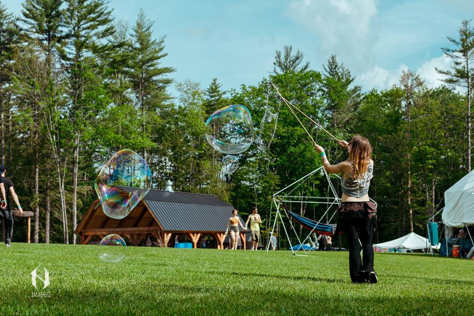 The field was the nexus of the festival and provided ample space for activities ( Credit: Nachturnal Images )