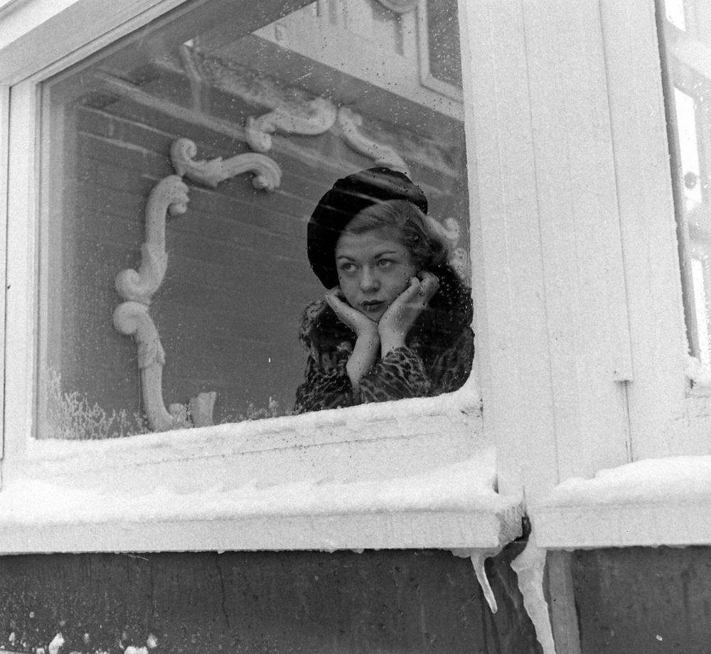 Nina Leen, Roof Sunlamps, Senator Hotel, Atlantic City, 1948. © Time Inc.