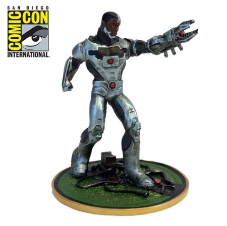 Nicole E - Justice League - Cyborg Metal Miniature