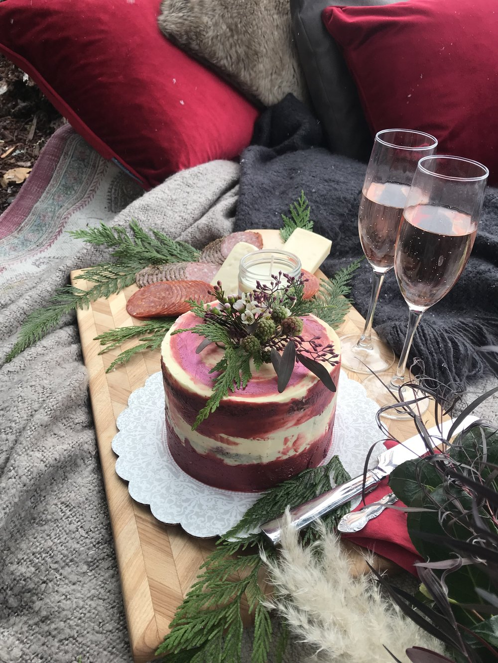 Styled shoot with Wandering Love Collective at Lake Crescent.