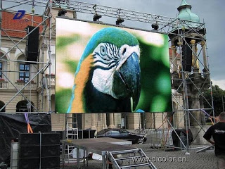 DICOLOR P10.66 Rental LED Screen in German.jpg