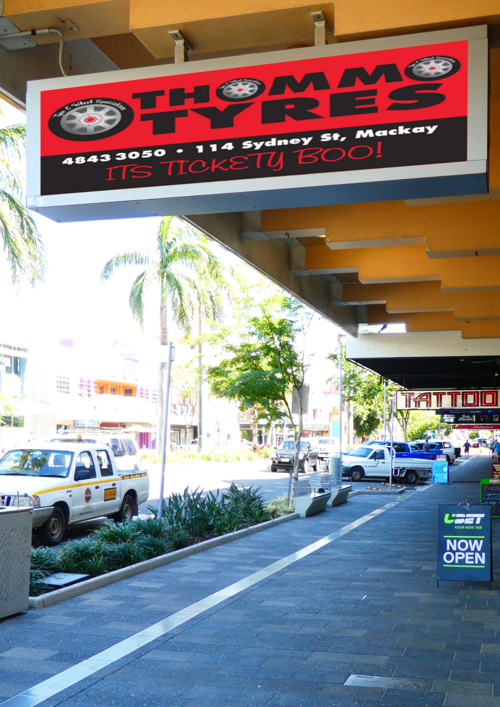 Mackay City - Site Information: Cnr of Victoria and Sydney Street under the Palace HotelSign Type      LED P3.9Direction       2 x Footpath under Awning Double SidedTraffic Flow  10,000 Per Day