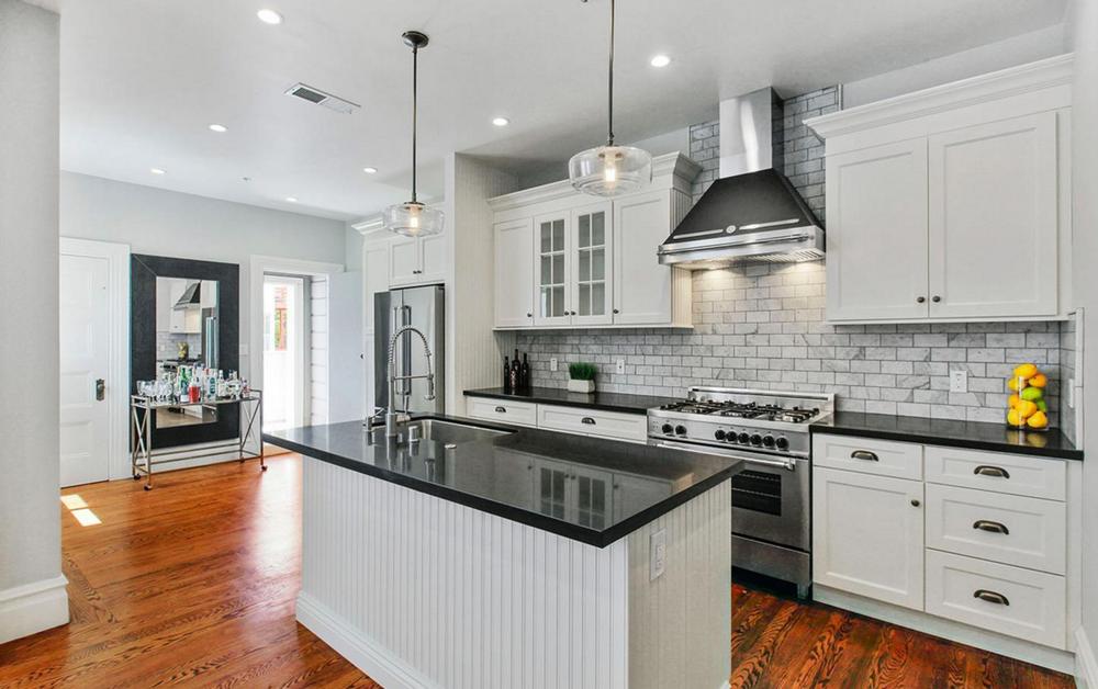 617 Broderick Street - kitchen