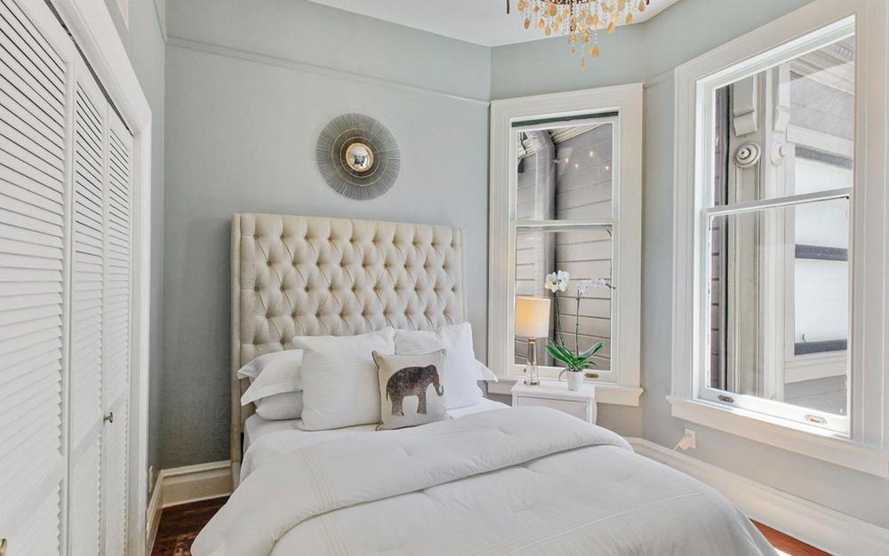 617 Broderick Street - bedroom