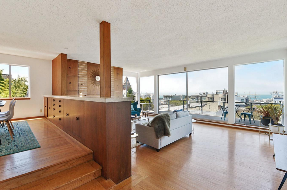 836 Bay Street - living room with views