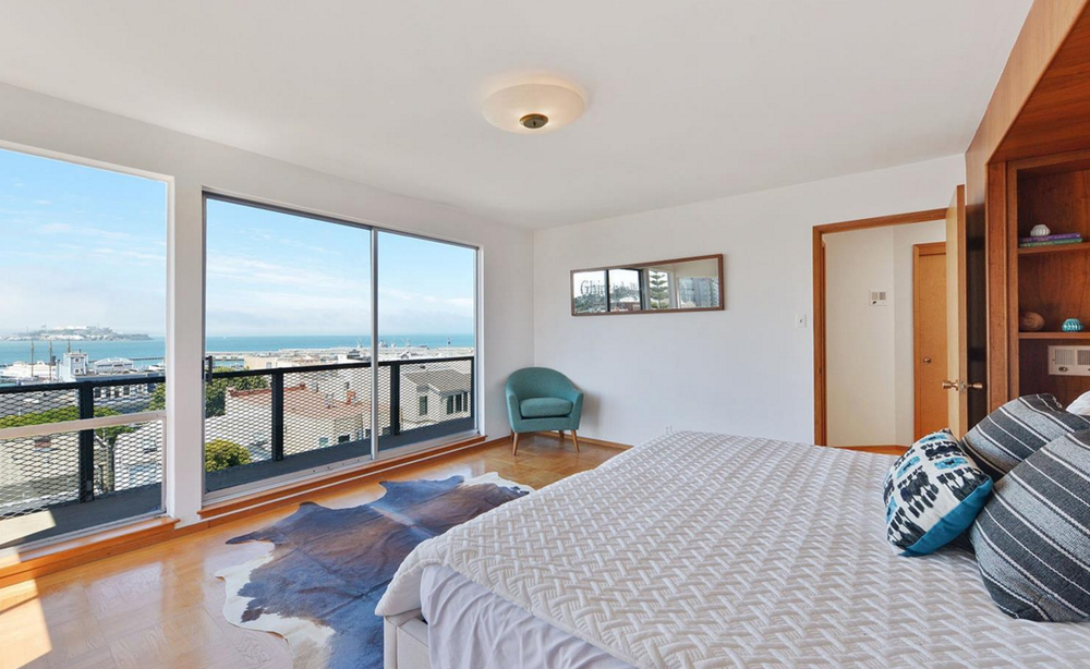 836 Bay Street - bedroom with views