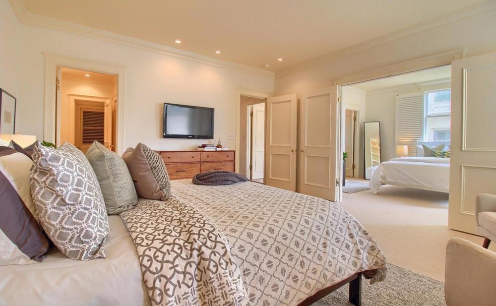 947 Green Street #2 - master bedroom suite