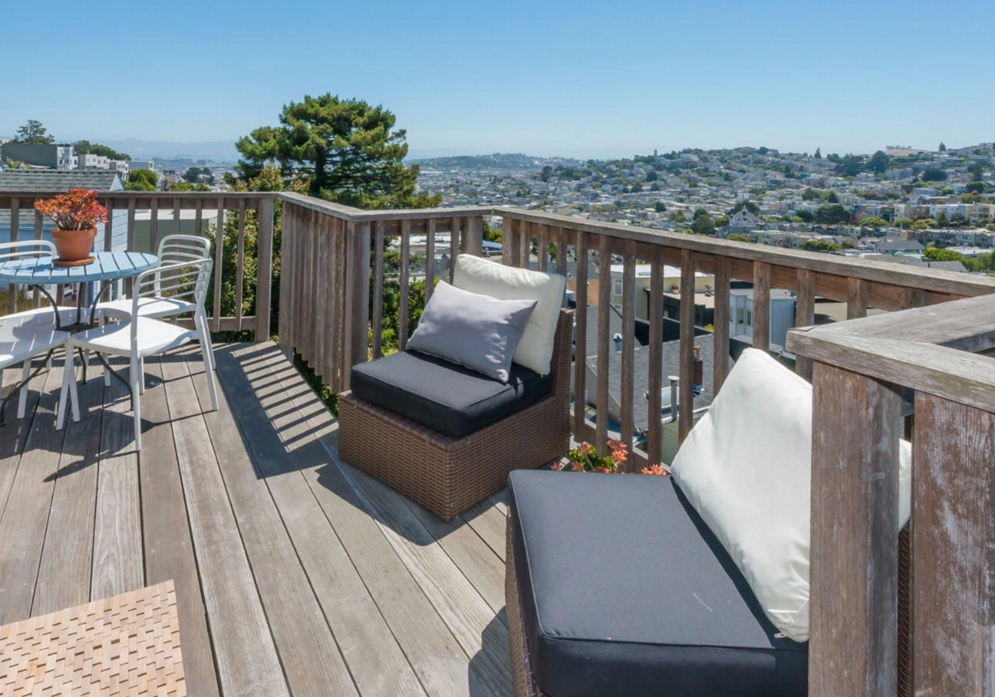 5 Mars Street - deck with views