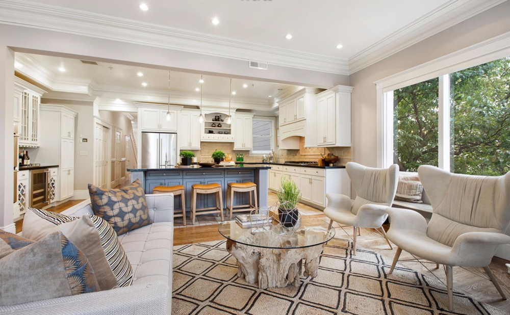 2334 Pine Street - Living Room