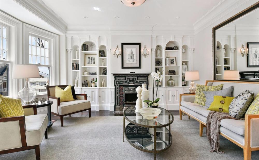 2830 Buchanan Street - Living Room