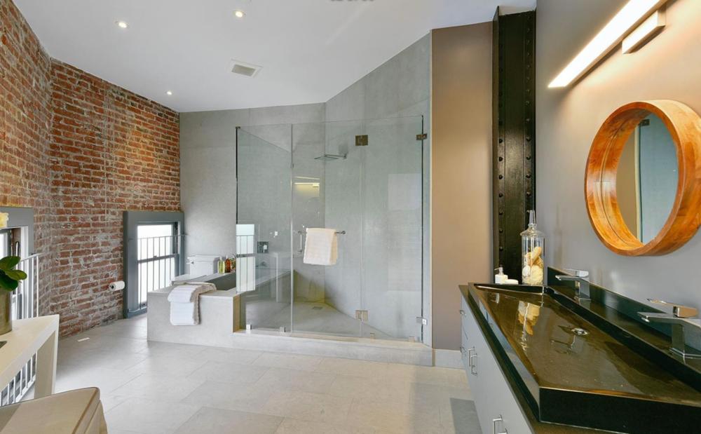651 Dolores Street - Bathroom