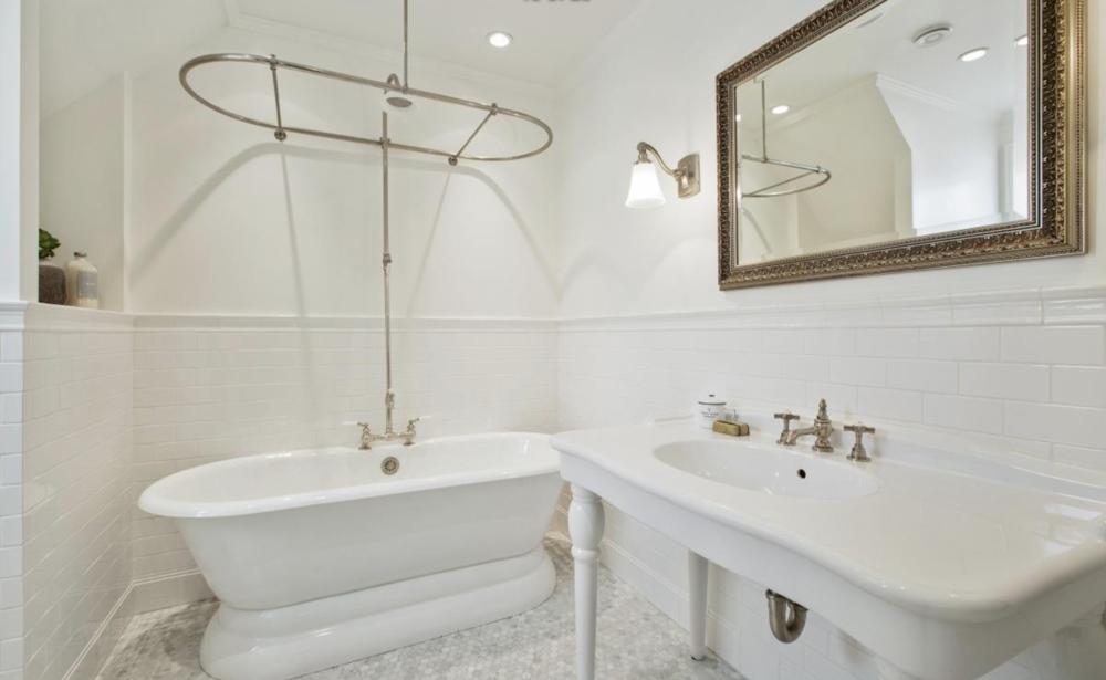 2831 Webster Street - Bathroom
