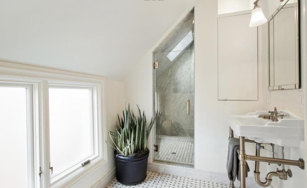 2831 Webster Street - Bathroom 2