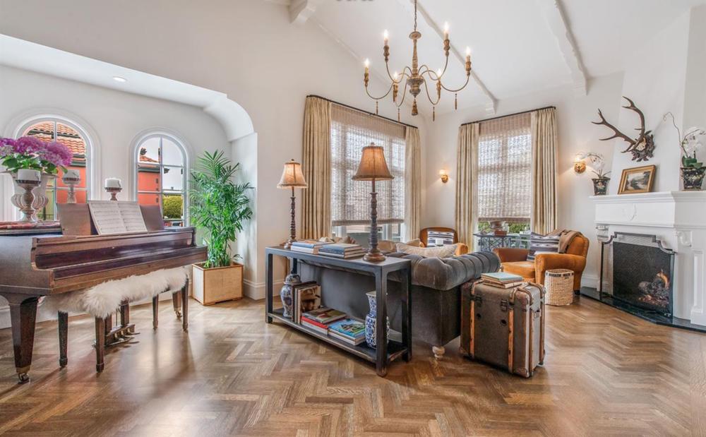 196 Avila Street - Living Room