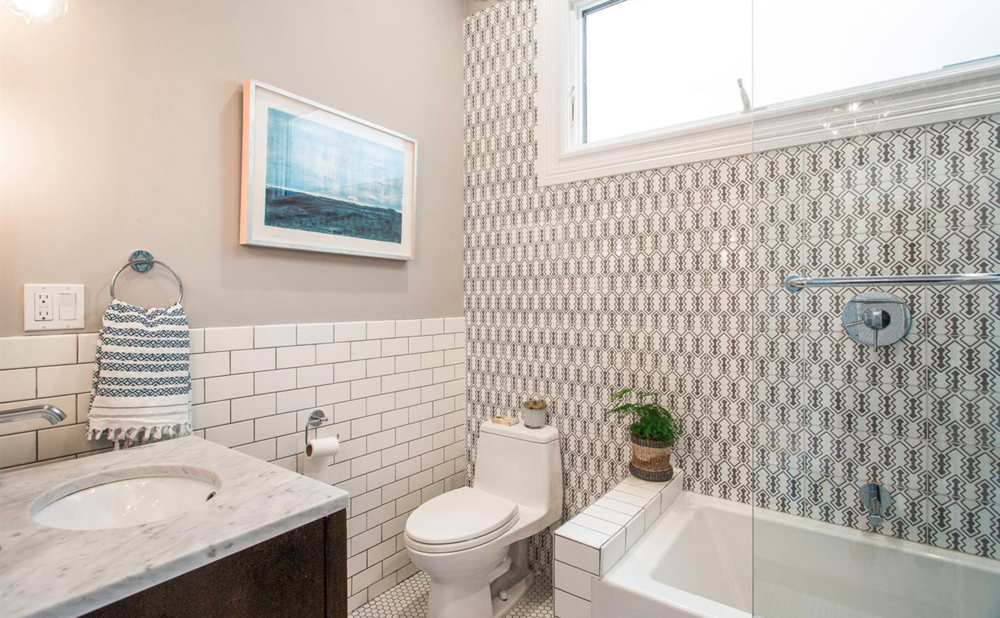 2253 California Street - Bathroom