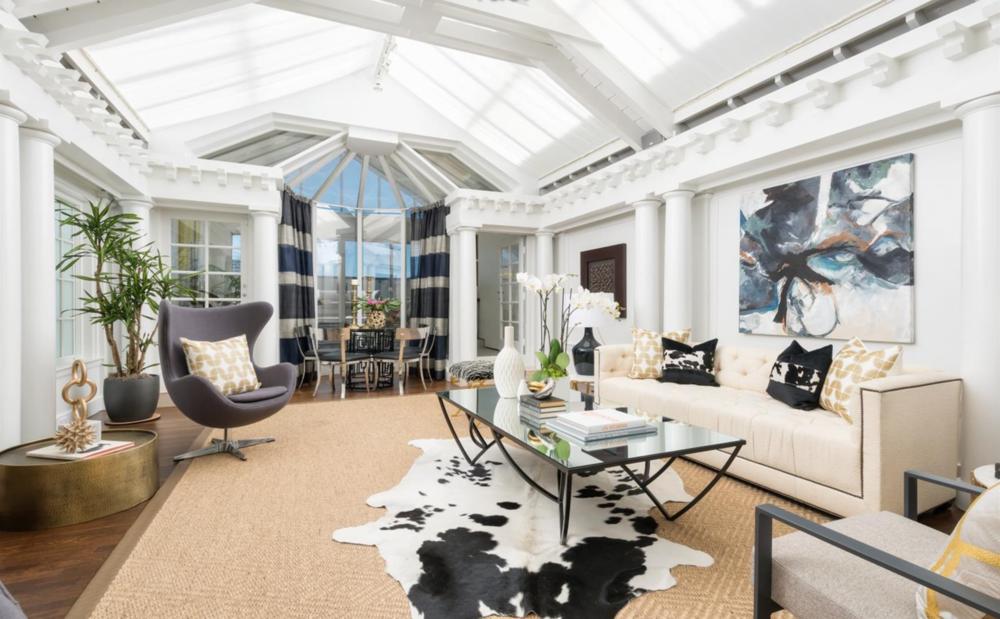 2151 Sacramento Street - Living Room