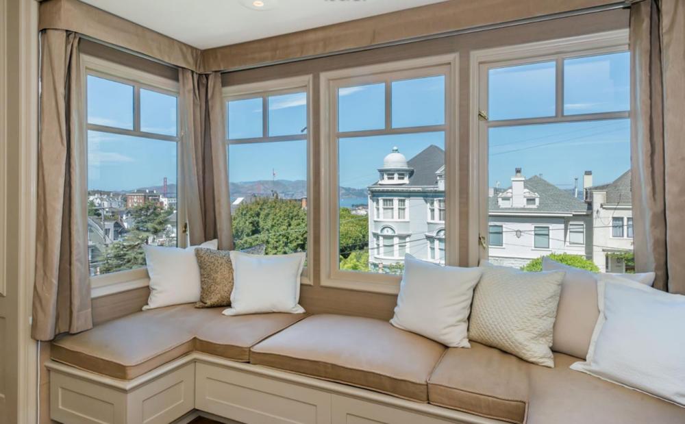 2361 Broadway St - Bay Window Views