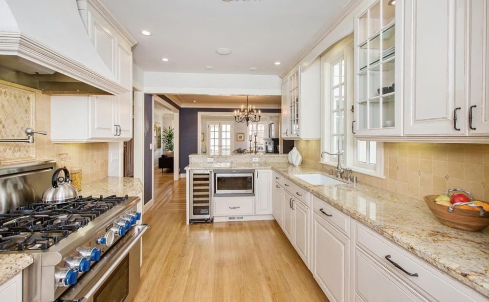 1361 Francisco Street - Kitchen