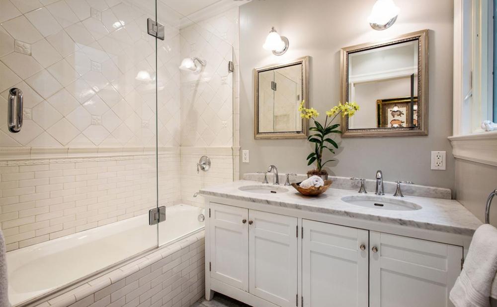 1361 Francisco Street - Bathroom