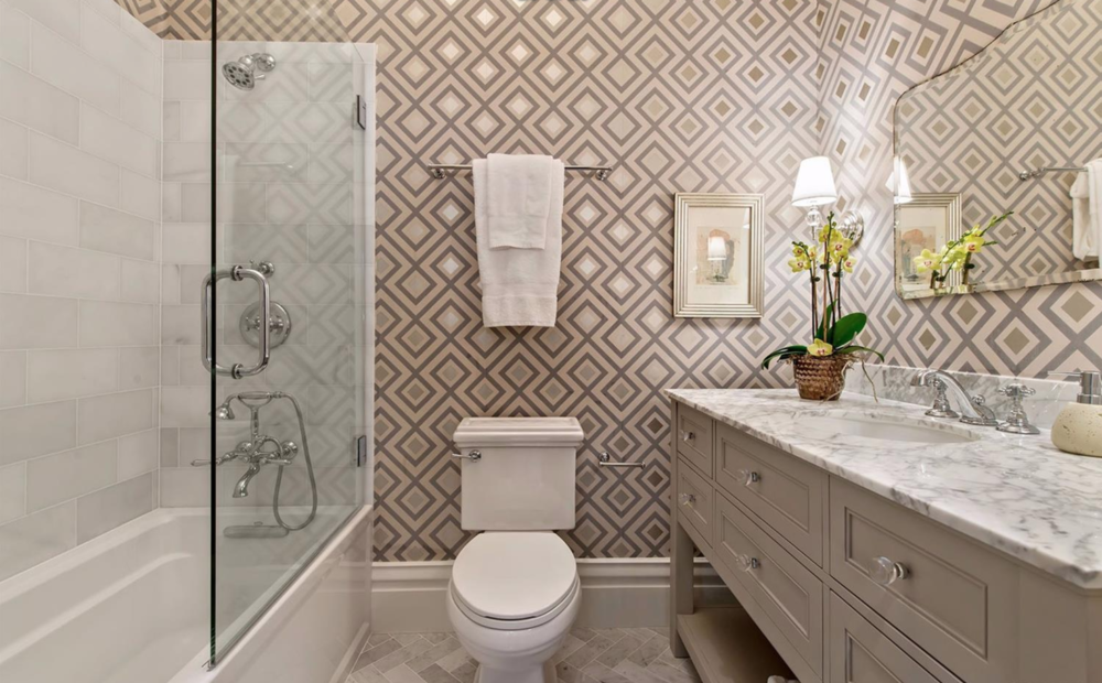 2929 Fillmore Street - Bathroom