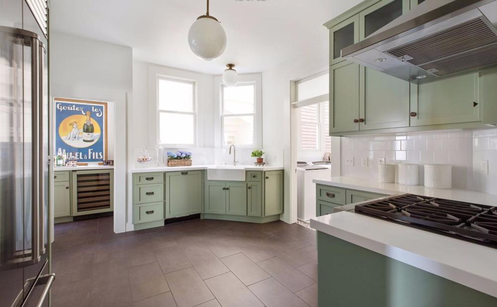 2828 Pierce Street - Kitchen