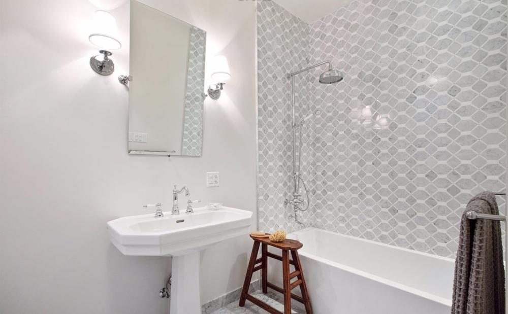 2828 Pierce Street - Bathroom
