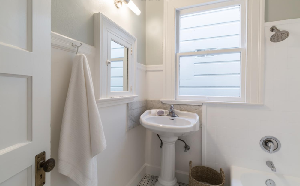 2859 Steiner Street - Bathroom