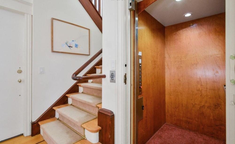 1035 Vallejo Street - Elevator
