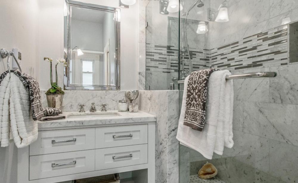 2046 Divisadero St - Master Bathroom