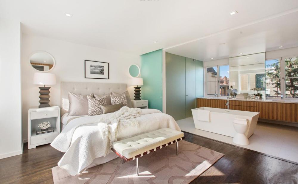 3325 Jackson St - Master Bedroom Suite