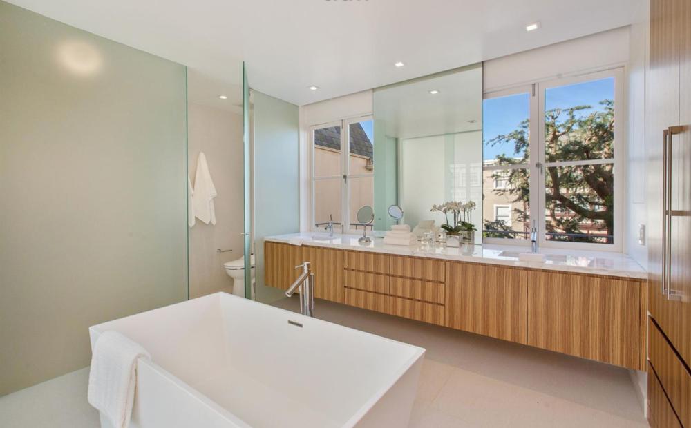 3325 Jackson St - Master Bathroom Suite
