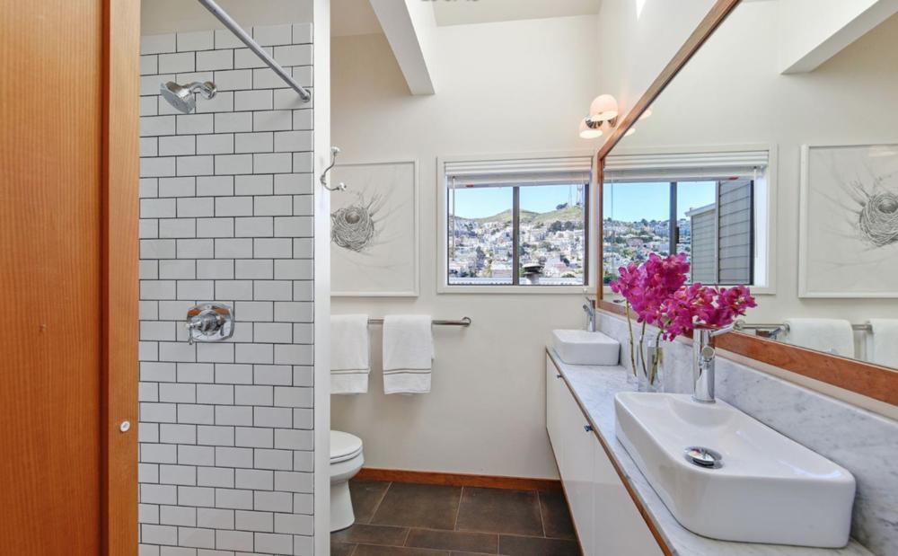 541 Diamond Street - Master Bathroom