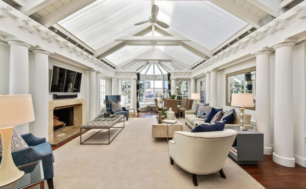 2151 Sacramento St - Living Room