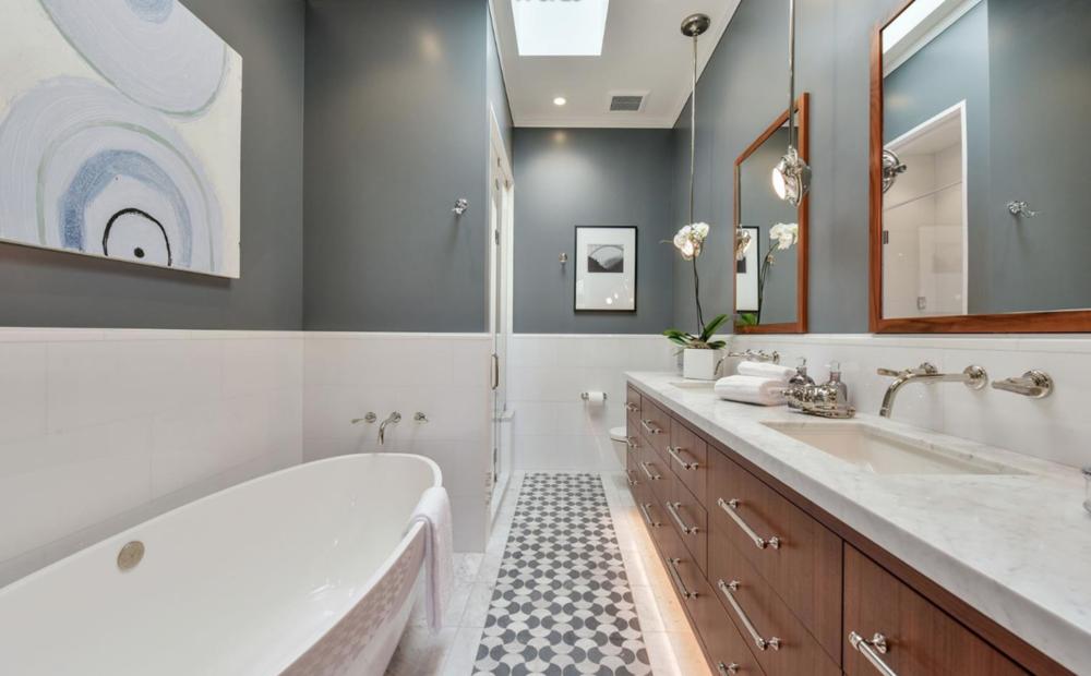 2151 Sacramento St - Master Bathroom