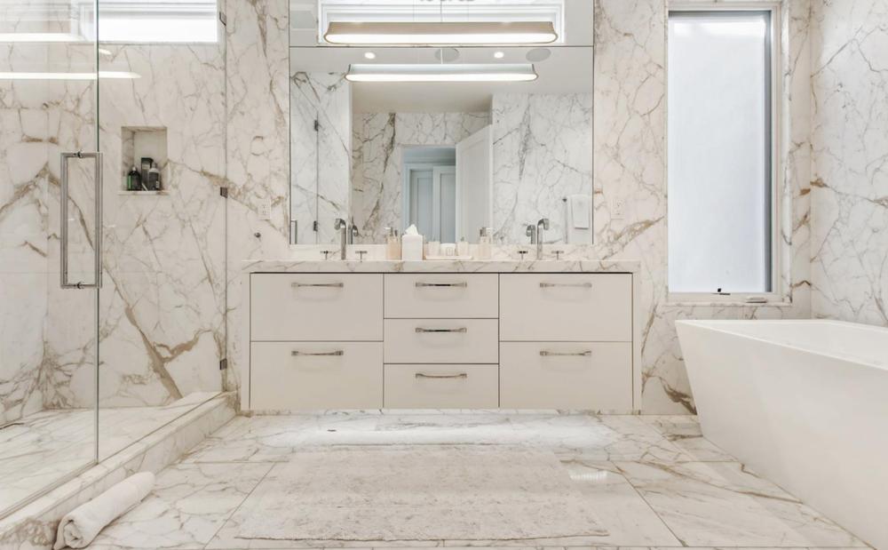 3323 Clay St - Master Bathroom Suite