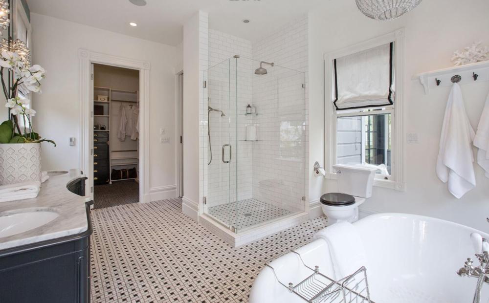 3880 Sacramento St - Master Bathroom Suite