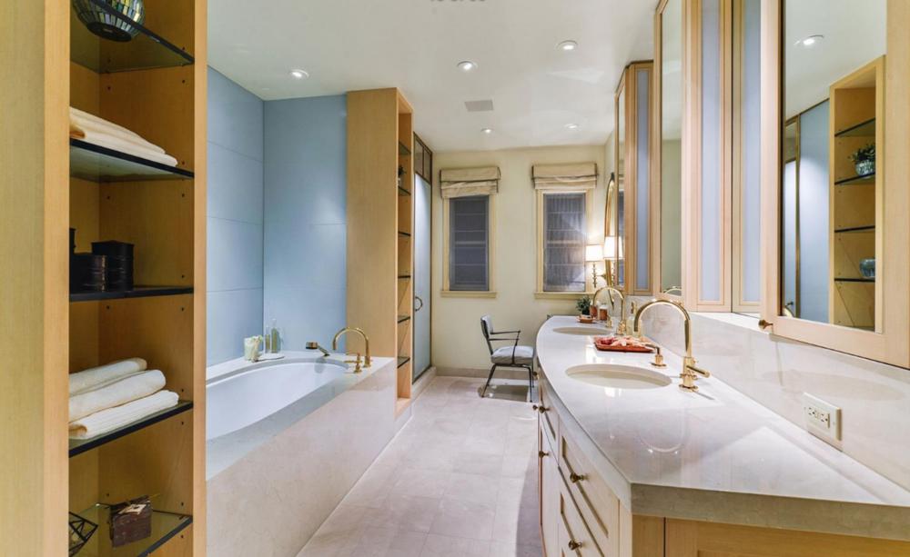 2050 Jackson St - Master Bathroom