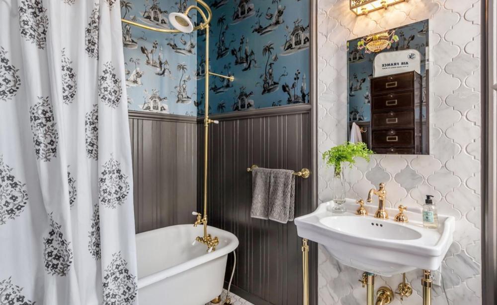 1859 Scott Street - Bathroom